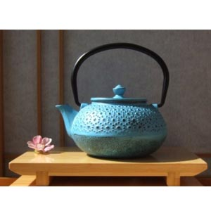 Cast Iron Light Blue Tetsubin teapot kettle 0.6 litre