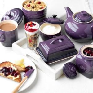 Le-Creuset-Stoneware-Classic-Teapot-13-L-Cassis-0-1