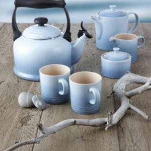 Le-Creuset-Stoneware-Classic-Teapot-13-L-Coastal-Blue-0-0