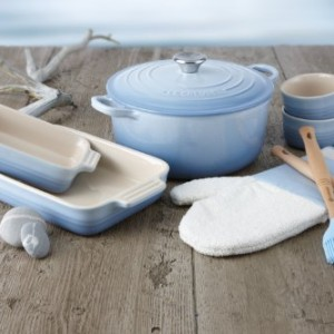 Le-Creuset-Stoneware-Classic-Teapot-13-L-Coastal-Blue-0-2