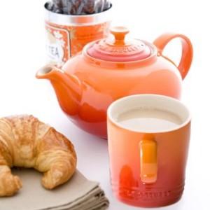 Le-Creuset-Stoneware-Classic-Teapot-13-L-Volcanic-0-1