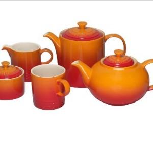 Le-Creuset-Stoneware-Classic-Teapot-13-L-Volcanic-0-3