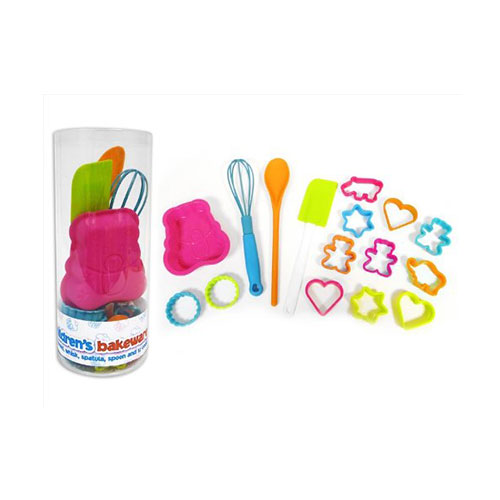 16 piece We Can Cook children's bakeware set