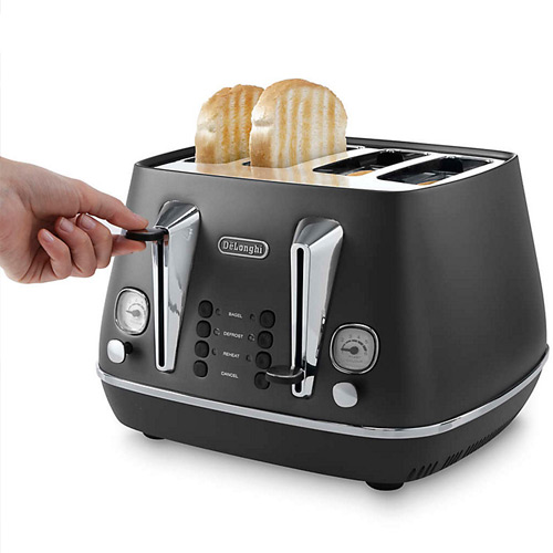 DeLonghi Distinta 4-Slice Toaster, Black